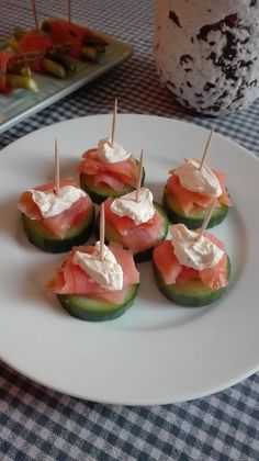 Danish Food, Health Dinner, Canapes, Party Snacks, Finger Foods, Frisk, Entrees, Sushi, Buffet