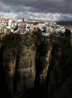 Historic cliff-hanger - Ronda, Spain