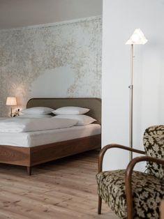 die 10 besten bilder von schwarzschmied rooms hotel reviews architecture interior design und black