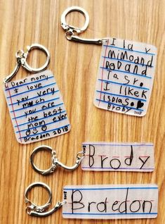 Make these shrink film keepsake keychains with your students using Shrinky-Dink paper! We share how on Simply Kinder. day crafts for kids Shrink Film Keepsake Keychains - Simply Kinder Plastic Fou, Shrink Plastic, Shrink Film, Shrinky Dinks, Diy Hacks, Craft Activities, Cute Gifts, Useful Gifts, Diy Projects