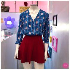 Camisa estampada + saia tricot, lindeza demais esse look! #Vemprazas