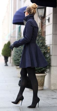 Love this Outfit SO MUCH! Black + Navy + Sexy Heels!