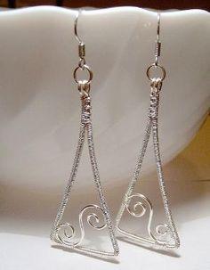 Wire earrings by wanting