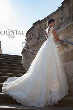 özel tasarım kristal taşlı 2015 gelinlik modelleri