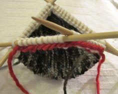 Sukka kantapään kautta eli neulo kantapää ensin   Punomo Winter Hats, Socks, Knitting, Tricot, Breien, Sock, Stricken, Weaving, Knits