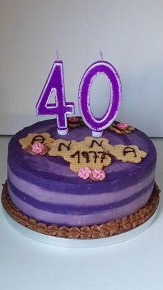 Tarta chocolates en lilas  #arapostres #tartachocolates #tartaenlilas #aniversario #cumpleaños #40años