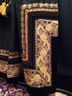 Beltestakk til konfirmasjon eller en hyggelig anledning. | FINN.no Folk Costume, Costumes, Hygge, Pakistani, Norway, Apron, Diva, Vintage, Design