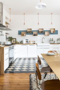 8 Worthy Tips: White Kitchen Remodel Laundry Rooms narrow kitchen remodel bookshelves.White Kitchen Remodel Home Tours simple kitchen remodel on a budget.Very Small Kitchen Remodel. Kitchen Tiles, Kitchen Flooring, New Kitchen, Kitchen Dining, Kitchen Decor, Kitchen White, Kitchen Small, Concrete Kitchen, Kitchen Wood