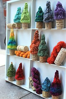 Pint Sized Pines - knitting pattern - wine corks for tree trunks. Holiday / Christmas / Decoration / Ornament