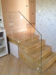 Glass Railing Стеклянное ограждение бетонной лестницы