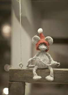 Needle Felted Ornaments, Felt Mouse, Baby Ornaments, Owl Art, Christmas Sleighs, Christmas Ornaments, Cute Dolls, Crochet Animals, Crochet Designs