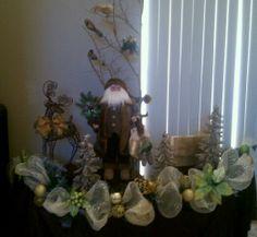 Santa Claus Deco Mesh display