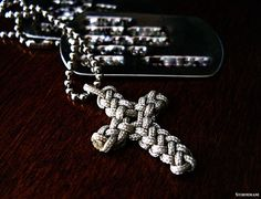 vertical crown knot cross