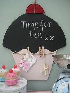 Cupcake notice board- cute idea for my nieces!