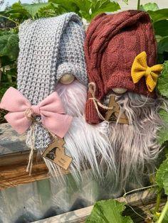 Scandinavian Gnomes, Christmas Signs, Fall Crafts, Burlap, Winter Hats, Reusable Tote Bags, Knitting, Holiday, Diy