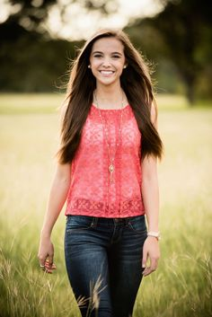 Long grass and long hair. Perfect accessories for senior portraits. Senior Portraits Girl, Girl Senior Pictures, Senior Picture Outfits, Senior Girls, Prom Photos, Stylish Girl Pic, Female Poses, Girl Poses, Picture Poses