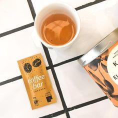 🍫 Coffee Pixels - un produs care plesnește de creativitate: arată precum o ciocolată, dar... e cafea și este potrivită pentru o zi plină de vitalitate și energie Tableware, Green, Dinnerware, Tablewares, Dishes, Place Settings