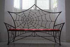Needs a pillow or 2!(with Spiders on them!)