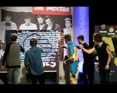 Don't lie, you know you played rock, paper, sissors with the guys! BC i did too ♥ xD  NOVEMBER 23, 2013 #1DDAY