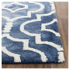 Alyson Accent Rug - Navy (Blue) / Ivory (2'3 X 6') - Safavieh