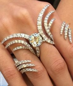Emmy DE * Multi Finger Damiani Ring
