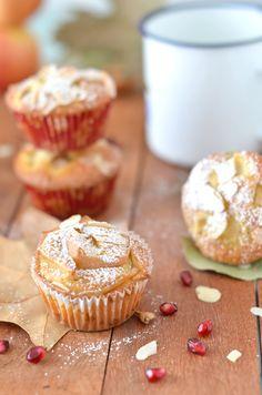 #Muffin soffici con #mele #mandorle sfilettate e #yogurt bianco