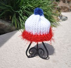 Patriotic knitted newborn beanie by Carladeannesboutique on Etsy, $10.00