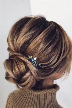 Pin by Karla Cabrera K. on graduacion in 2019 Bridal Hair Updo, Wedding Hair And Makeup, Hair Makeup, Hair Wedding, Up Hairstyles, Wedding Hairstyles, Grow Hair, Bridesmaid Hair, Cut And Color