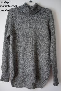 RD Lois Turtle Neck Sweater- October Stitch Fix Review- To my stylist, PLEASE send me more warm, cozy sweaters.