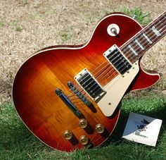 These gibson les paul guitars are stunning Gibson Guitars, Fender Guitars, Acoustic Guitars, Les Paul Guitars, Cool Electric Guitars, Les Paul Standard, Guitars For Sale, Gibson Les Paul, Epiphone