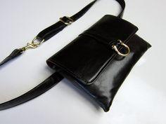 Black Flat Belt Bag (Gold)