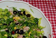 Salata cu ton si ridichi  #reteta #salata Sprouts, Salad Recipes, Salads, Chicken, Vegetables, Drinks, Food, Green, Beverages