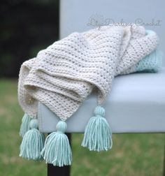 Available in shop. Heart blanket  add tassels in color of your choice. #etsyfinds #crochetblanket #tassels #knittedbkanket #toddlerblankets #babyblanket #babyshowergifts #babyshower #newborn #newborngifts #crochethat #crochetinsta by liyadarling_crochet