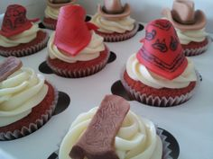 Cowboy cupcakes Cowboy Cupcakes, Sweets, Desserts, Food, Sweet Pastries, Meal, Gummi Candy, Candy Notes, Deserts