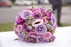 purple mauve lavender and white flowers Pink Purple Wedding, Pink And White Weddings, Pink And White Flowers, Pink And Green, Lavender Bouquet, Lavender Roses, Flower Bouquet Wedding, Rose Arrangements, Wedding Stuff