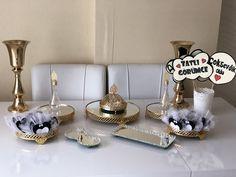 Nişan masası  İnstagram durmus_beyza__ #keşfet #nişan #nişanmasası #fikirler Fendi, Place Cards, Candle Holders, Place Card Holders, Candles, Instagram, Candlesticks, Candelabra, Candle