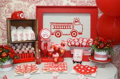 Sweet and perfect girl's firetruck birthday party theme, display and favors. Fireman Party, Firefighter Birthday, Firefighter Cakes, Fireman Sam, 4th Birthday Parties, Boy Birthday, Birthday Woman, Blog Deco, Deco Table