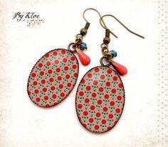 Boucles d'oreilles pendantes Cabochons • Mosaïque • fleurs bleu rouge rose verre