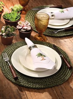 Handmade Table, Handmade Home Decor, Diy Home Decor, Table Setting Inspiration, Crochet Home Decor, Deco Table, Dinner Table, Diy Crafts To Sell, Table Settings