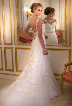 Image from http://www.brides.com/images/vendor/dressgallery/bridal/stellayork/large/5932-stella-york-wedding-dress-primary.jpg.