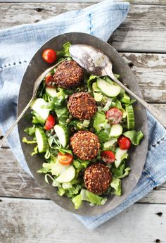 Falafel Salad | The Flourishing Foodie | I tried Falafel for the first time the other day and fell in love.