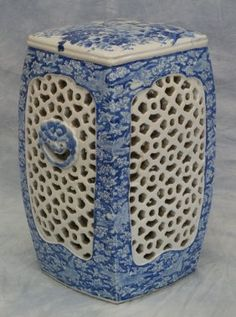 Japanese Blue and White Porcelain Garden Seat with : Lot 9365