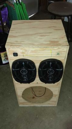 Post with 71 votes and 75903 views. Shared by DIY Portable Stereo Diy Subwoofer, Subwoofer Box Design, Speaker Box Design, Diy Bluetooth Speaker, Diy Speakers, Woodworking Projects Diy, Diy Wood Projects, Diy Boombox, Radios