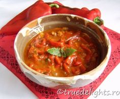 Mancare de ardei copti Chana Masala, Chili, Main Dishes, Soup, Cooking Recipes, Ethnic Recipes, Main Courses, Baking Recipes, Entrees