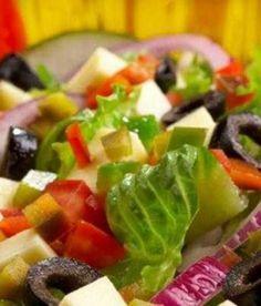 Insalate estive dal Salento: la ricetta della colorata insalata grika | Vizionario