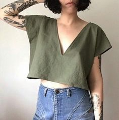 A few things up in the etsy shop! I had a little extra time before I left and made some stuff out of this lovely olive linen. The color was calling to. Diy Fashion, Ideias Fashion, Fashion Outfits, Looks Style, My Style, Diy Kleidung, Denim Top, Refashion, Minimalist Fashion