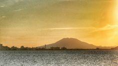 14  Sep. 18:00 博多湾夕暮れの糸島富士(可也山: Mt. Itoshima Fuji)です。 Evening  at  Hakata bay in Japan