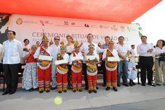 Durante el evento, ante cientos de indígenas de la región, el mandatario estatal ratificó su compromiso con los pueblos originarios de Veracruz, quienes son un orgullo para los veracruzanos.