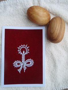 Paličkované přáníčko - svíčka / Zboží prodejce Lennka.H   Fler.cz Crochet Flower Tutorial, Crochet Flowers, Teneriffe, Lace Art, Lace Making, Bobbin Lace, Christmas Cards, Candles, Quilts