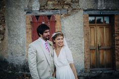 Bride and groom from a Relaxed and Rustic French Country Wedding | Photography by http://www.pereymarga.com/